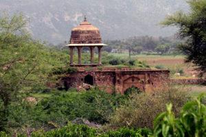 Bhangarh Fort Guru Balu Nath Curse