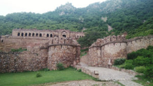most haunting place in india bhangarh fort Rajasthan