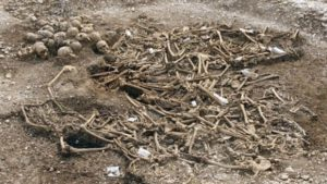 Oxford Archaeology said the results suggested the burial took place at the time of, or shortly after, the men's execution which had probably been performed at the graveside
