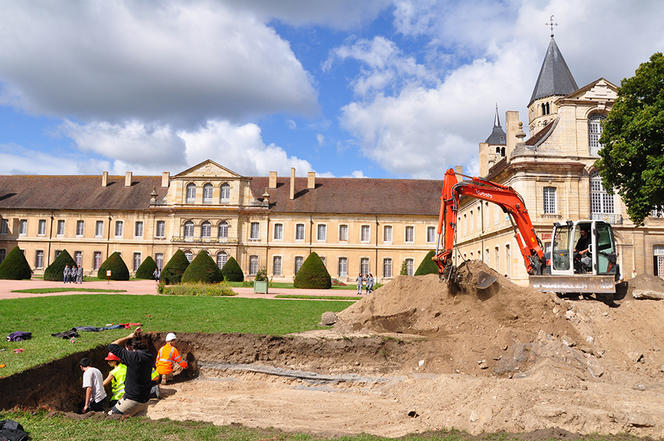 Archaeologists discover medieval treasure at Cluny abbey in France