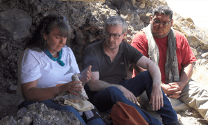 Professor Eske Willerslev with Donna and Joey, two members of the Fallon Paiute-Shoshone tribe.