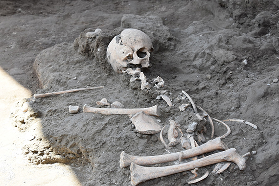 'Exceptional discovery by Archaeologist' at Pompeii: child's skeleton unearthed.