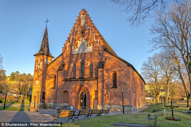 Sigtuna is well known as one of the earliest cities in the area. It was formally founded around 980AD when Sweden's first Christian king Olof Skötkonung resided here