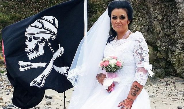 Irish woman who married ghost of 300-year-old pirate says they have done breakup