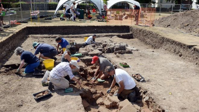 Private Roman Bath Discovered in England