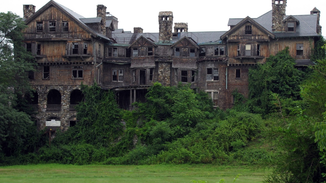 Top 3 abandoned mansions from around the world