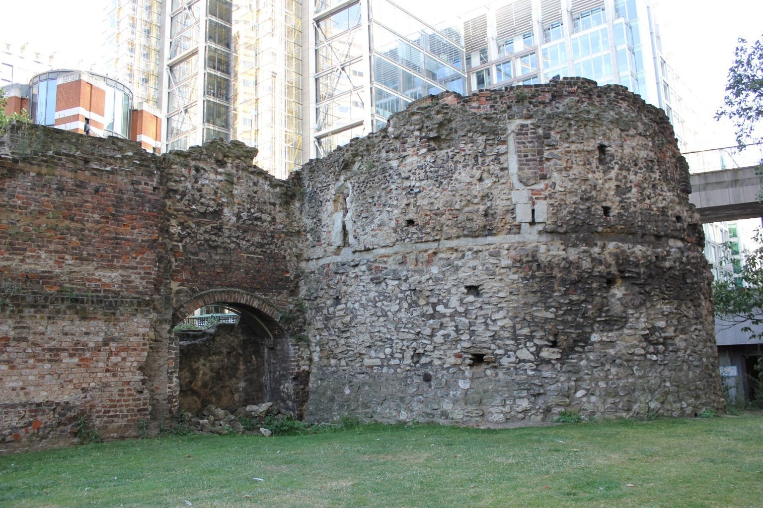 In Search Of London's Vanished Castles