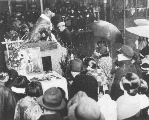 Crowds gather at Hachiko's statue on the year anniversary of his death