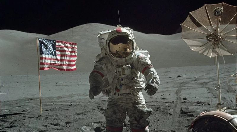 NASA Got Sick of The Conspiracy Thing so Released Over 10,000 Photos From the Apollo Moon Mission