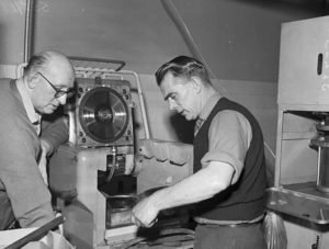 Manufacturing vinyl records in 1959