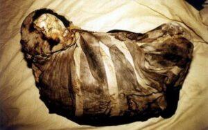 Mummy Juanita before unwrapping her body.