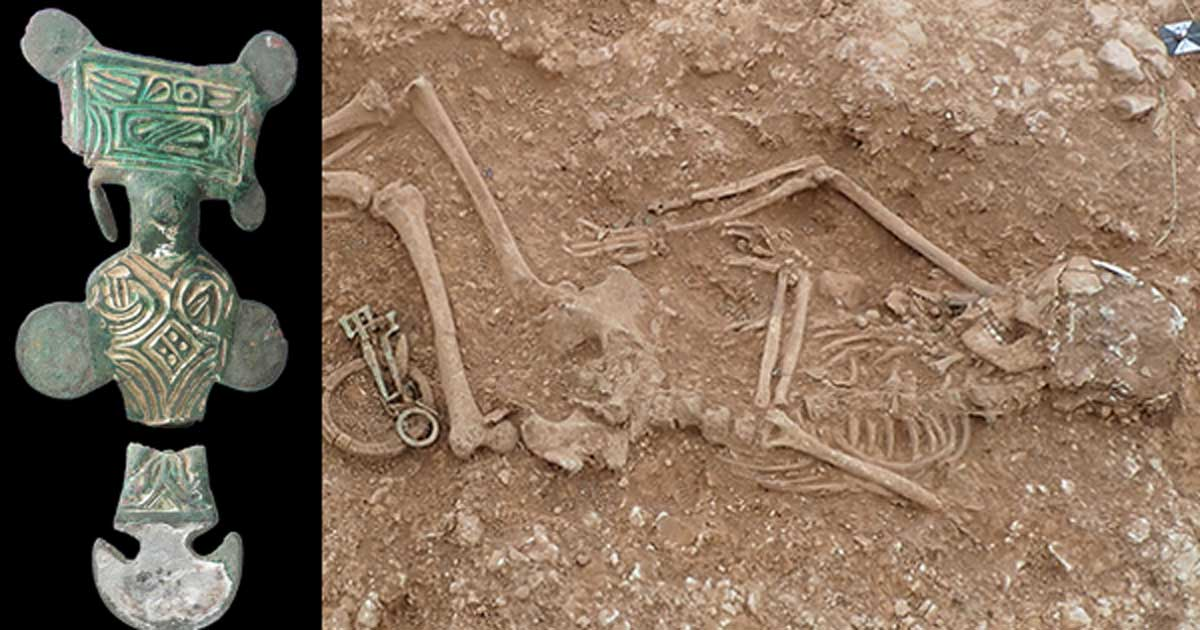 Metal Detectorist's Hoard Leads to Twenty 'Richly Adorned' Anglo-Saxon Burials
