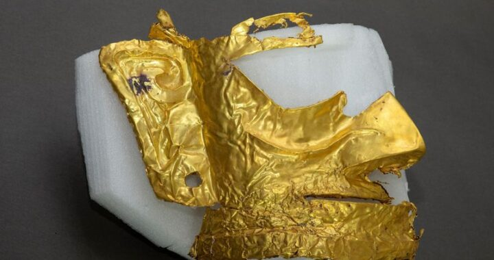 Archaeologists uncover 3,000-year-old gold mask in southwest China